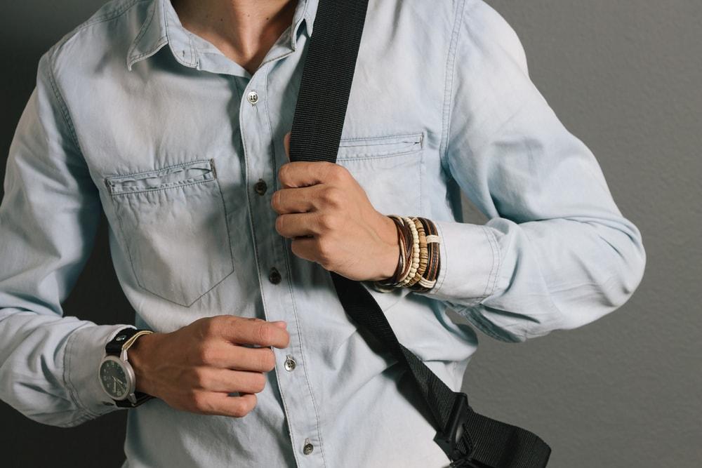 7cc03151cc2 9 acessórios masculinos indispensáveis para o seu guarda-roupa