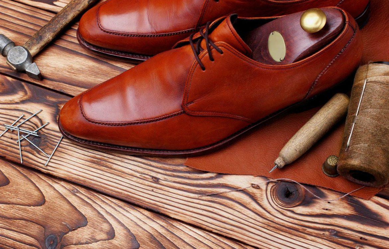 Sapato derby  o clássico ideal para os homens. Aprenda a usá-lo! 67e07b0722736